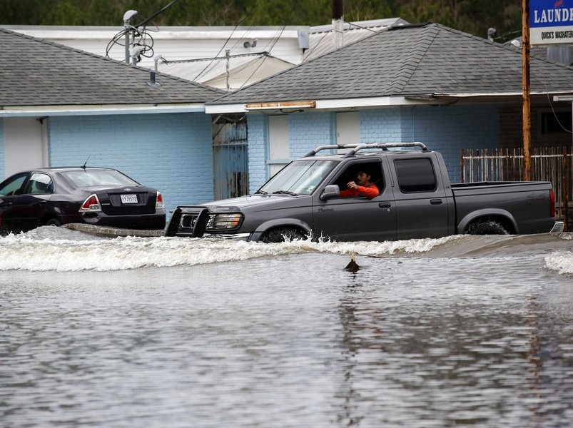 Parts of Louisiana and Mississippi are Affected By Unusual Flood